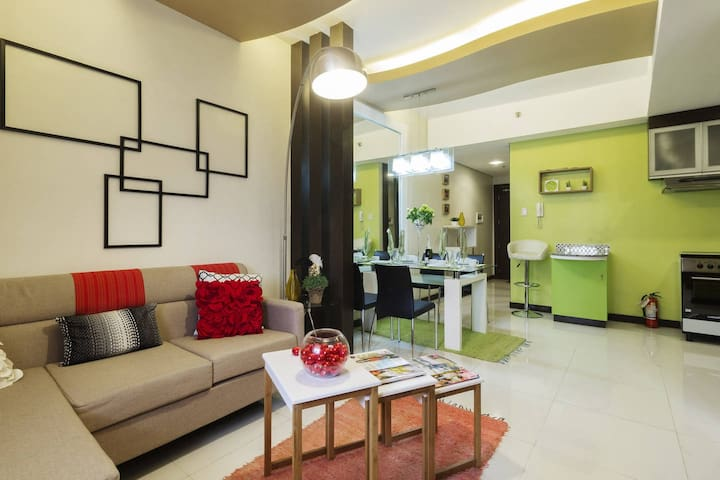 Luxury 1 BR condo, near Ortigas/ShangriLa Mall
