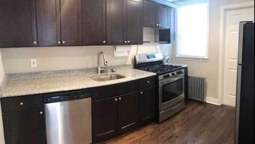 Cozy 1 BR APT 10 min from heart of NYC