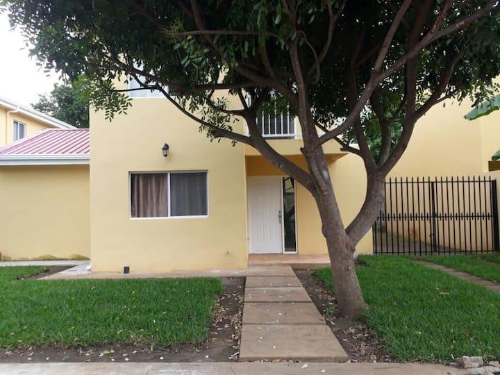 Amplia y Bonita Casa en Rivas