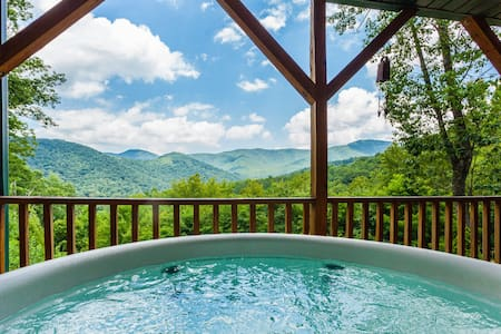 Privacy and Fun at the Top of a Mountain - Candler - Rumah