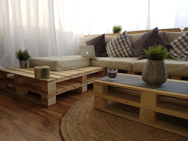 cozy room in a pallet house - Al Golf - Apartamento