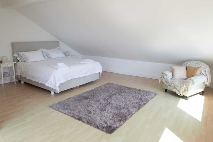 Very large master bedroom - with king size bed and en-suite shower room