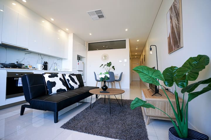 Brand New luxury South Terrace No.14