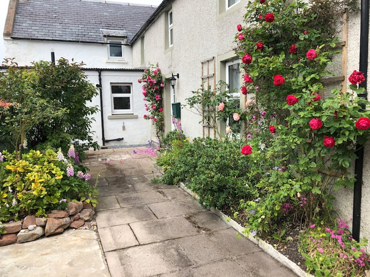 Kings Cottage, Nairn - a charming place to stay