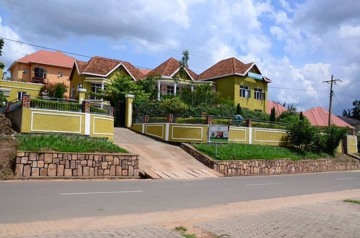 Your Place To Stay In Kigali Opposite RDB