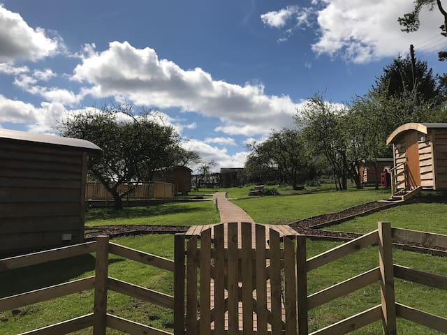 Orchard Hideaways FAMILY POD 2 - Cumbria - Cabaña