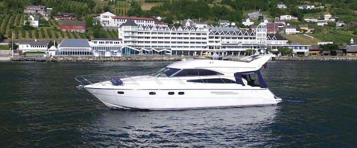 Hardangerfjord yacht
