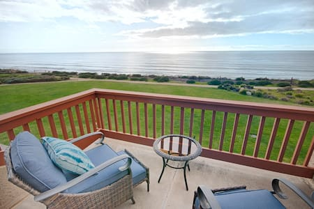 Beautifully Remodeled 2 br Ocean Front Villa Seascape Resort! Ocean View!