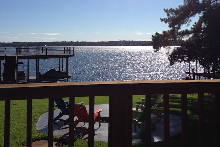 Twin Pines Lakehouse- Gorgeous Views!