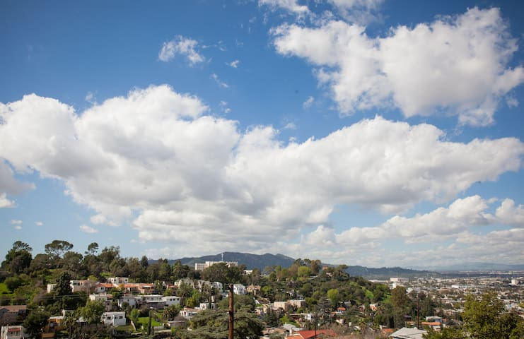 View From The Top! - Glendale - Appartement