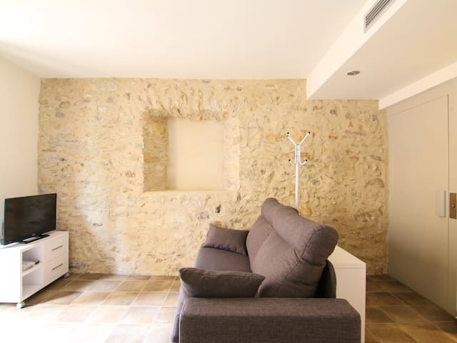 Modern appartment for 4 people   Center of Girona