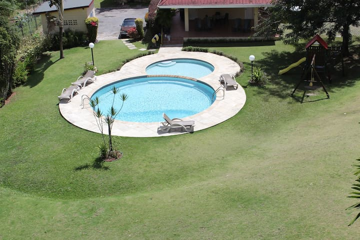 Beautiful Cascade River Gardens Apartment - Port of Spain - Flat