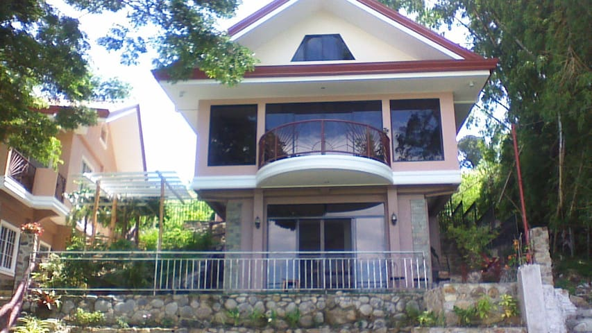 The Pantawan Suite - Bais City, Philippines - Bais City - Casa