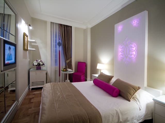 Standard Twin Room - Avicenna Hotel