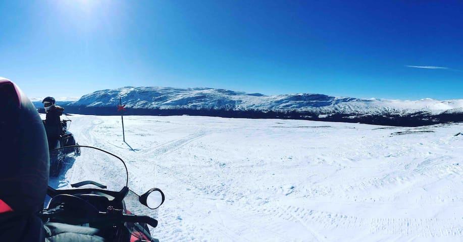 Cozy cabin 20 min from Åre (Ski in/Ski out)