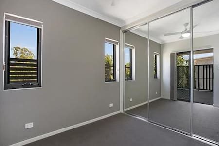 Room available fore rent in Zillmere - Zillmere - Lakás