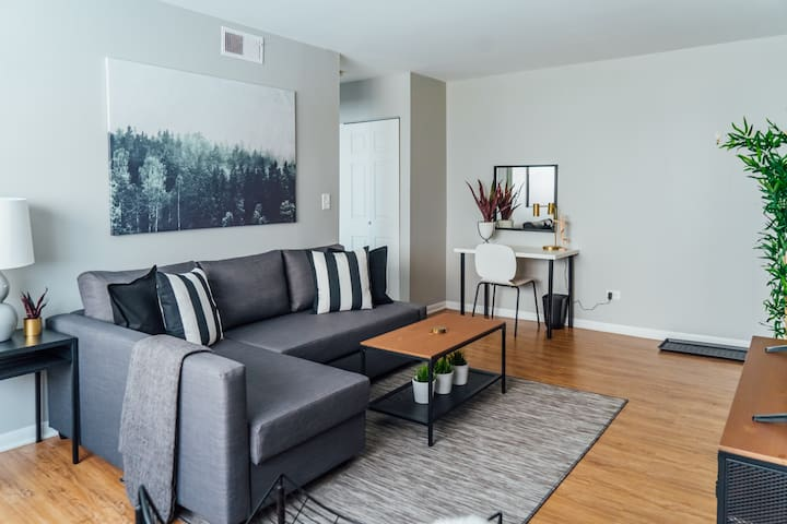 🏡$1650 Monthly Deals! Cozy Comfy 1BR in Lakeview