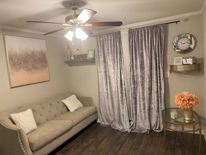 "Private Space in Living Room ""Comfortable"""
