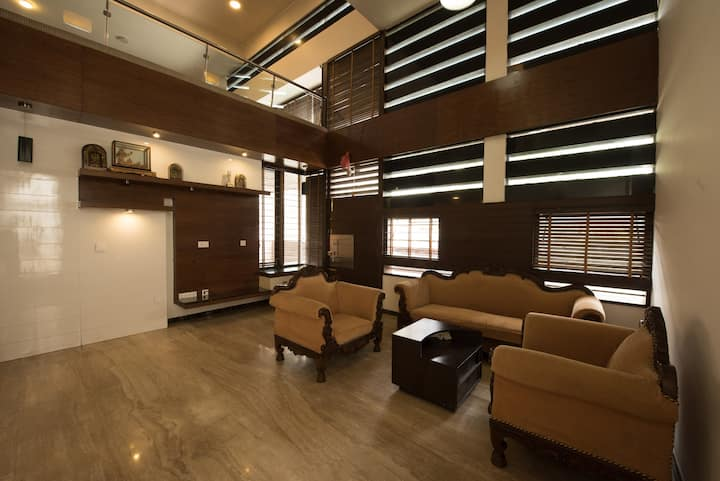 5 bhk mansion near orion mall & world trade centre