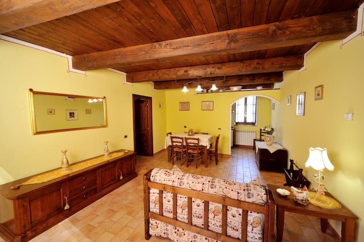 Grande appartamento confortevole - Sassoferrato - Lejlighed