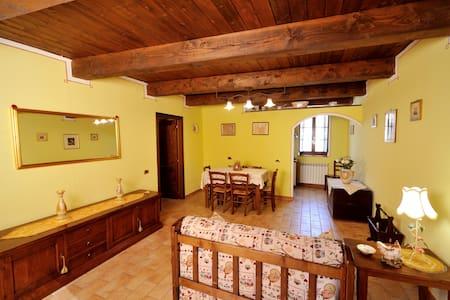 Grande appartamento confortevole - Sassoferrato - Huoneisto