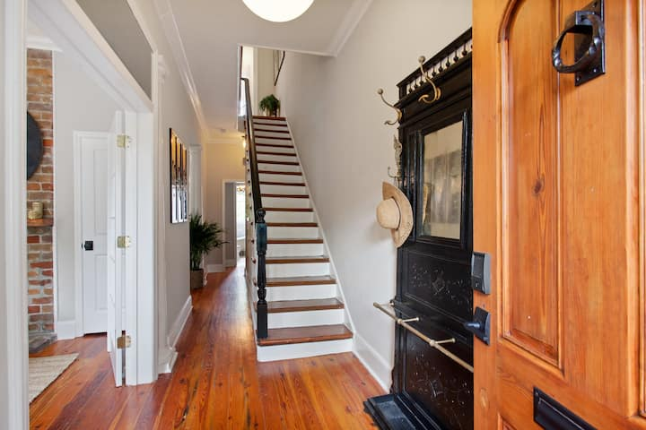 Bright, Historic Restored Home | Whitefield Sq