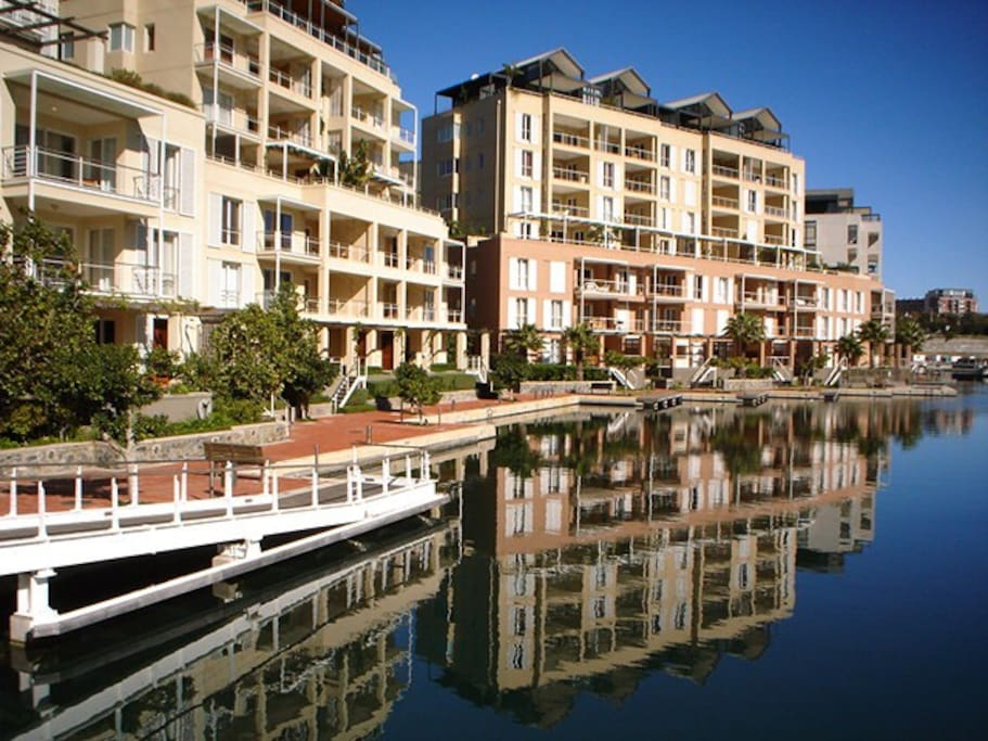 waterfront stays 109 apartments for rent in cape town. Black Bedroom Furniture Sets. Home Design Ideas