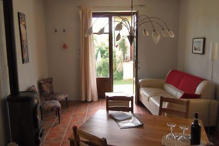 Appartement Romantica bij Casavabene in Murazzano - Murazzano