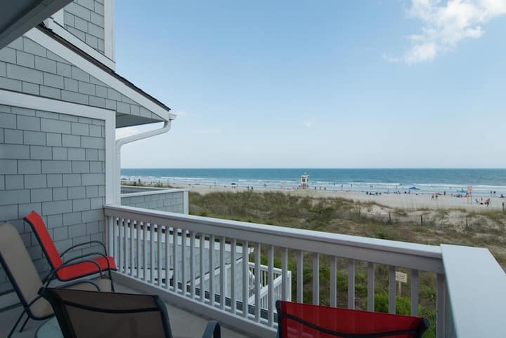 Douglas-This ocean front end unit really lets the sun shine in!