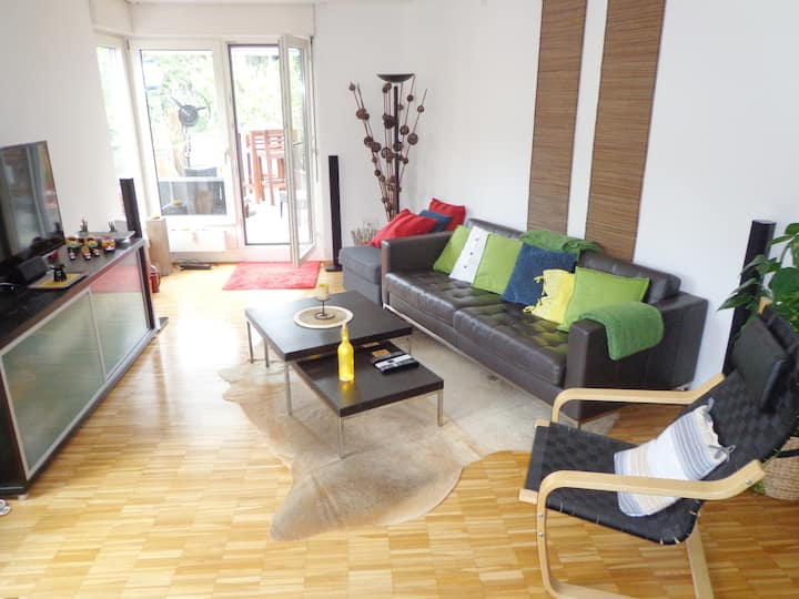 apartment with terrasse, free bus + free minibar