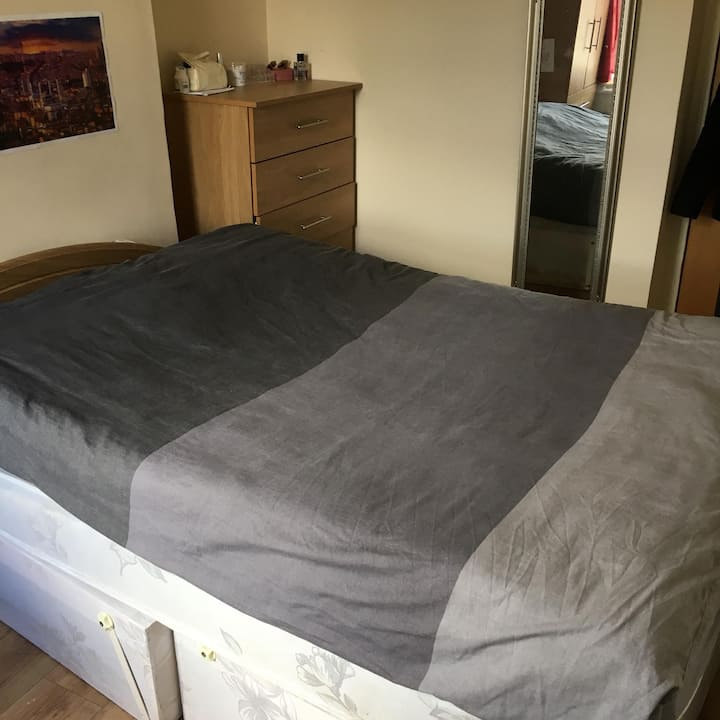 Cozy Double Room & Close to City Center