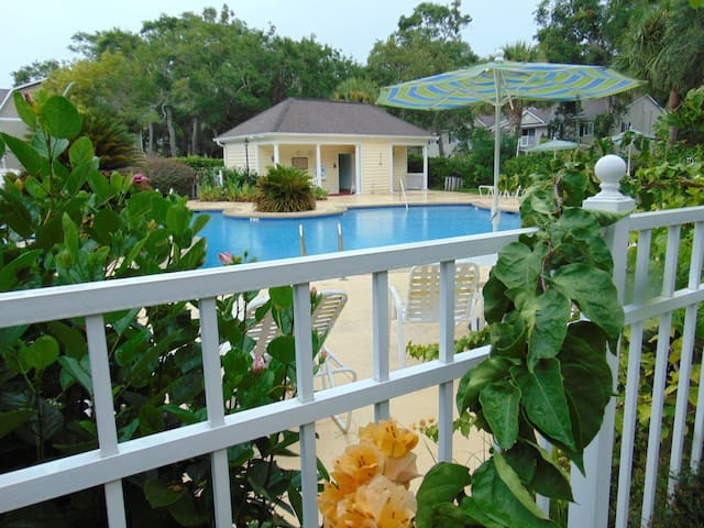A1 Ocean Walk 1 bdrm with king size bed.