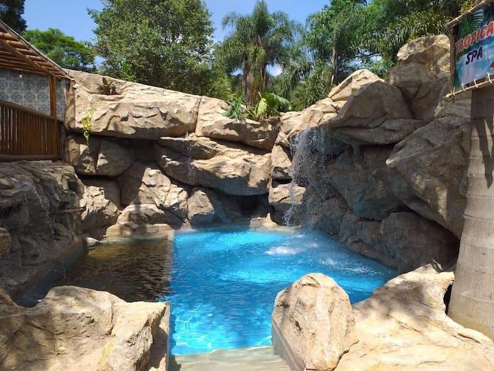 Casa de Campo com piscina temática aquecida!