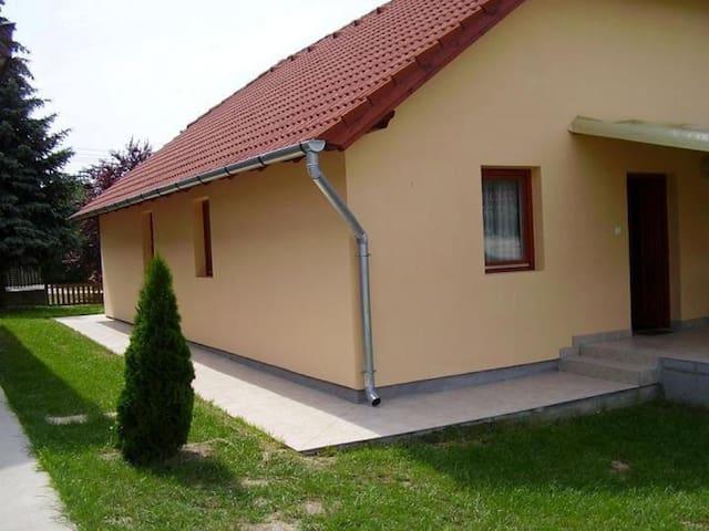 8171 Balatonvilágos Kodály Zoltán utca 1. - Balatonvilágos - Lägenhet