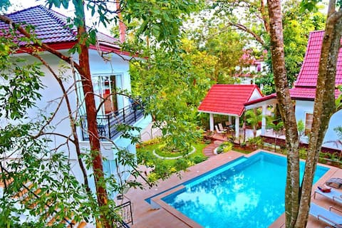 Koh Chang 8 Bed with Seaview Roof Top and Pool