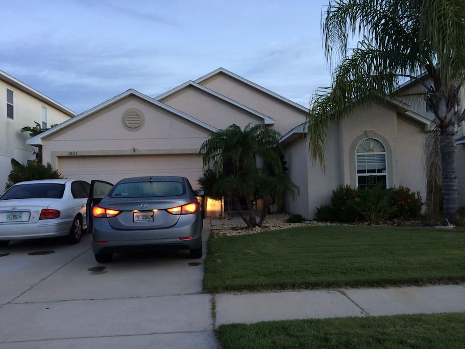Private 2 bedroom 1 bath suite new central air houses for Bath house florida