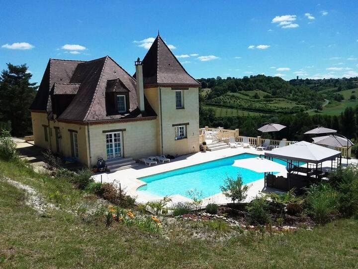 Luxe sfeervolle villa met uitzicht over de vallei