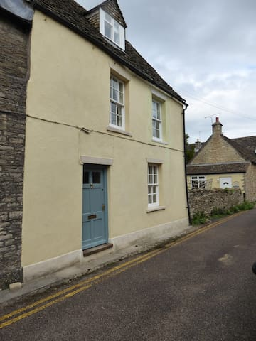 Character Cottage - Heart of Picturesque Sherston - Sherston - Talo