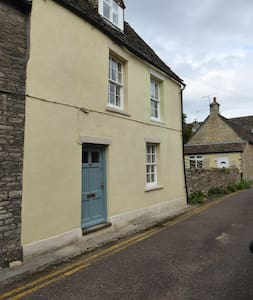 Character Cottage - Heart of Picturesque Sherston - Sherston - Hus