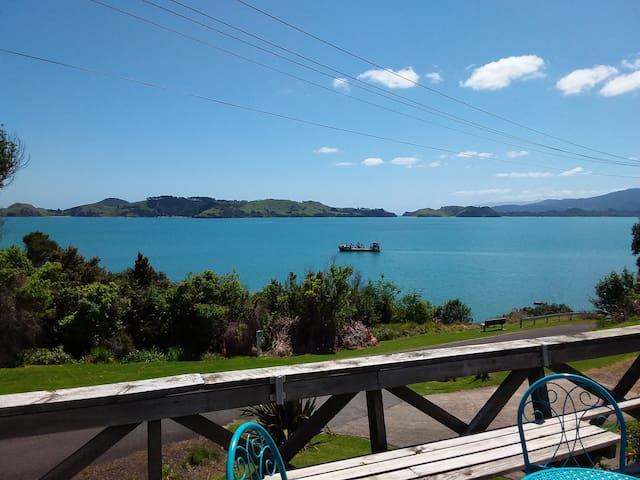 Te Kouma Seaview Getaway