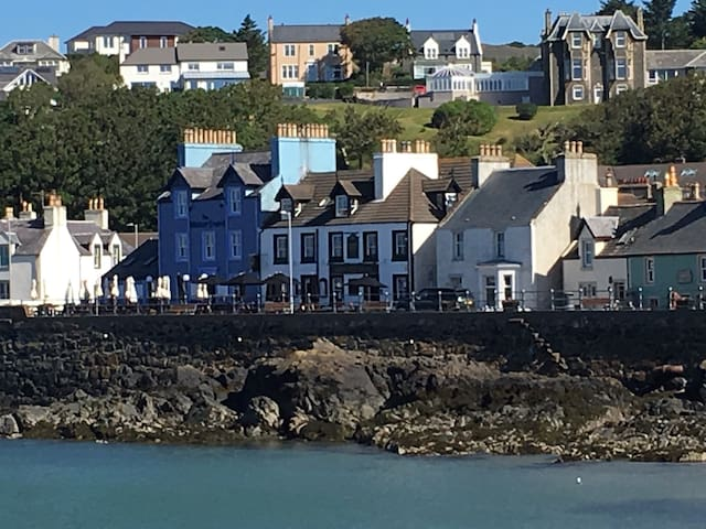 Waterfront portpatrick 3/4 bed holiday cottages