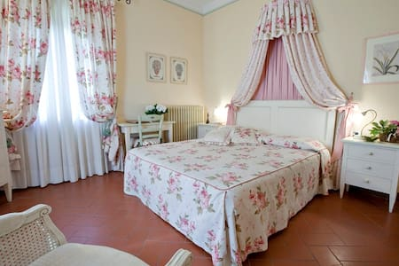 Camera matrimoniale San Gimignano - Gambassi Terme - Bed & Breakfast