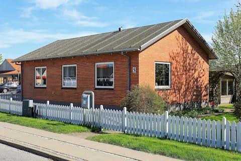 Simplistic Holiday Home in Ålbæk near Sea