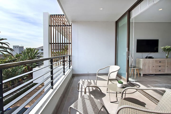 201RO - Lux 1 Bedroom apt in Green Point