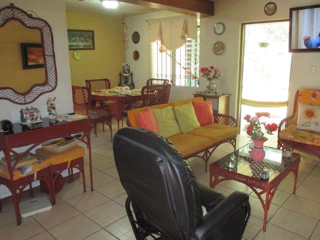 Tu Casa con Amor - San Salvador - Dom