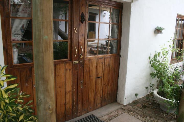 Carol's Cottages - room 2