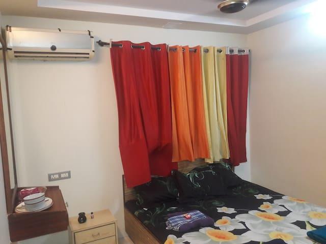 PRIVATE ROOM IN ANDHERI WEST MUMBAI