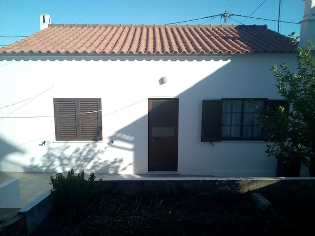 Family home 10 min to the beach