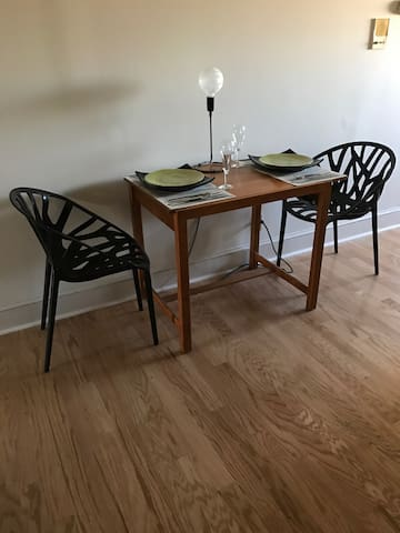 Modern one bedroom with roof deck . - Philadelphia - Apartment