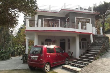 The Atrium Park Homestay - Double Room - Kalimpong - Bed & Breakfast
